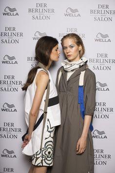 Wir durften vor den Shows der Berliner Fashion Week letzte Woche hinter die Kulissen der Défilés schauen und können euch nun die Backstage-Beauty-Secrets für den kommenden Sommer verraten. Das Wella Professionals Team war nämlich nicht nur bei uns im #BloggerBazaarHQ präsent, sondern erneut Partner des Berliner Modesalons. Mehr dazu findet ihr hier http://www.blogger-bazaar.com/2016/07/06/hairtrends-sommer-2017/  Wella Professionals Trends Hair Beauty Looks Berliner Mode Salon