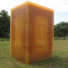 Rubber House by Zeinstra van Gelderen architecten. One man pavilion entirely of rubber