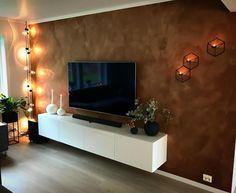 Få inspirasjon fra 10 hjem malt i Jotun Rustikk Terracotta Malta, My Dream Home, Flat Screen, Lounge, Tv, Terracotta, Baby, Home Decor, Little Cottages