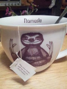 Baby Sloth Tea Cup Via Second Chance Ceramics on Etsy I am totally in Love with this Baby Sloth Tea cup from Etsy Shop Second Chance Cer. Coffee Shop, Coffee Cups, Tea Cups, Coffee Talk, Coffee Coffee, Coffee Break, Pillos, Like Facebook, My Cup Of Tea