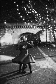 in the snow winter ballroom dance dancing waltz in the winter Magnum Photos, Ballroom Dance, Ballet Dance, Place Rouge, Christmas Dance, Dancing In The Rain, Documentary Photography, Sweet Couple, Just Dance