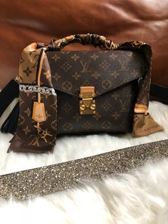 LV Handbags New LV Collection For Louis Vuitton Handbags,Must have it Luxury Handbags, Louis Vuitton Handbags, Purses And Handbags, Leather Handbags, Designer Handbags, Leather Purses, Designer Bags, Louis Vuitton Scarf, Handbags Online