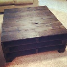 DIY pallet coffee table - golden idea. Just golden.