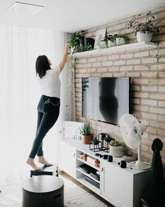 48 attractive diy apartment decorating ideas on a budget 13 ~ Home And Garden Diy Apartment Decor, Apartment Interior Design, Interior Design Living Room, Living Room Designs, Diy Home Decor, Tv Wall Decor, Wall Decor Design, Wall Unit Designs, Condo Decorating