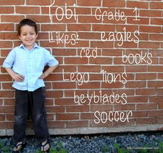 Love this...back to school photos idea! Would be good in front of the school.