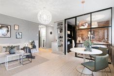 Hoy visitamos un apartamento en Noruega que a pesar de sus reducidos metros cuadrados, parece muy amplio