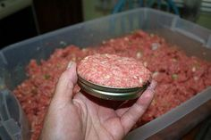 Canning Amish Poor Man's Steak This article was written by Mama Bear and appeared first on Challenged Survival. I have been eye-balling this Amish Poor Man's Steak recipe ever since I bought the 80 pounds of Pressure Canning Recipes, Home Canning Recipes, Canning Tips, Canning Soup, Easy Canning, Pressure Cooking, Canned Meat, Canned Food Storage, Canned Chicken