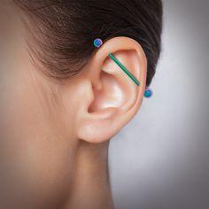 Piercing industriel en acier multicolore cartilage #piercing #industriel #helix #indus