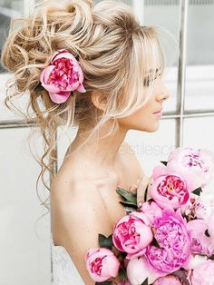 Elstile Long Wedding Hairstyle Ideas 12 / http://www.deerpearlflowers.com/26-perfect-wedding-hairstyles-with-glam/3/