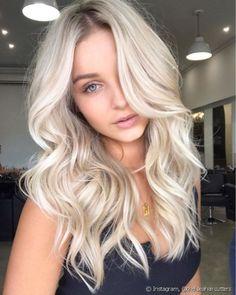 Blonde Hair Colour Shades, Platinum Blonde Hair Color, Blonde Hair Looks, Bleach Blonde Hair, Light Blonde Hair, Different Blonde Shades, Blond Hair Colors, Platnium Blonde Hair, Light Blonde Balayage