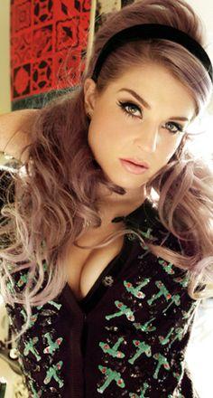 Kelly Osbourne! Ahh I love her lavender hair! gorgeous!