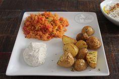Rosmarin-Thymian-Kartoffeln mit Bulgur-Salat und Haydari