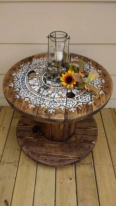 DIY Cable Spool Table for Ummmm. - new home - diy cable spool table for ummmm wherever - Diy Cable Spool Table, Cable Reel Table, Cable Spool Ideas, Diy Décoration, Easy Diy, Sell Diy, Bois Diy, Farmhouse Side Table, Wooden Spools