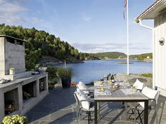 Norwegian house - architect and interior designer Geir Fossland and Elin Outdoor Retreat, Outdoor Rooms, Outdoor Dining, Outdoor Furniture Sets, Outdoor Kitchens, Outdoor Ideas, Lakeside Living, Lakeside Cottage, Lake Cottage
