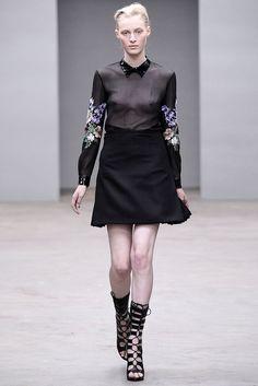 Julia Nobis, Christopher Kane Fall 2010 Ready-to-Wear Collection Photos - Vogue