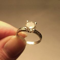 9k Gold Ring 9ct White Gold 375 CZ Diamond Vintage Clear Cubic