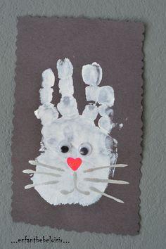 Un lapinou de Pâques - peinture à l'emprinte