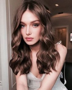 Long Wavy #Hairstyle Light Golden Brown Hair, Curly Light Brown Hair, Light Chocolate Brown Hair, Medium Golden Brown, Chocolate Hair, Light Hair, Hair Color 2018, 2018 Color, Best Hair Color