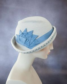 52fff4ac Freeform Wool Cloche. Alabaster Flapper Hat with Blue Ribbon Cockade and  Vintage Tatted Trim. Pale Gray Felt Hat. 1920s Style Millinery