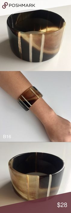 """Handmade Natural Horn Bangle Bracelet Jewelry Handmade Natural Horn Swirl Bangle Bracelet  Bracelet Diameter: 7.0"""" Made to order   All of my jewelry and fashion pieces are handmade, keeping in mind the sustainability to the environment while emphasizing my free spirit. Jewelry Bracelets"""