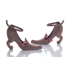 These cat shoes were designed by Kobi Levi, a graduate of an arts and design academy in Jerusalem. He's a freelance designer specializing in sculptural footwear. Levi's work has been exhibited throughout the world. Puppy Shoes, Cat Shoes, Shoe Boots, Women's Shoes, Doll Shoes, Kitten Heels, Heel Pumps, Stilettos, Stiletto Heels