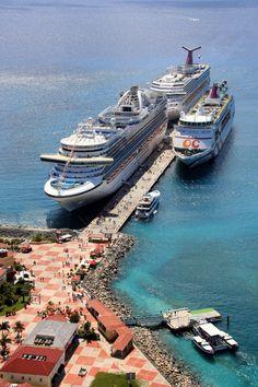 St. Maarten  cruise port .