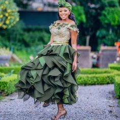 2020 AFRICA WEDDING DRESSES is obviously new but worth being part of the new trend, it is easy to replicate as long as you have a good designer African Bridesmaid Dresses, African Wedding Attire, African Attire, African Fashion Dresses, African Weddings, Prom Dresses, Wedding Dress Patterns, Wedding Dress Trends, Wedding Suits