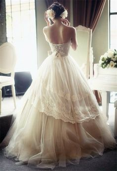 Beautiful dress. if only it was shorter.