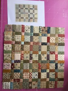 Love this scrappy quilt - easy 9 patch squares and the peaky & spike block to give the points Scrappy Quilt show - Right Here! 9 patch and rectangle blocks. in a gray to black hombre light to dark towards the center and make the 9 patch with salmon, magen Patchwork Quilt Patterns, Scrappy Quilts, Easy Quilts, Mini Quilts, Patchwork Designs, Patchwork Ideas, Patchwork Blanket, Denim Patchwork, Blanket Crochet