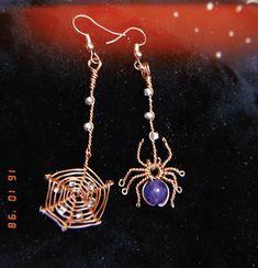 Wire Jewelry Designs, Handmade Wire Jewelry, Metal Jewelry, Jewlery, Halloween Earrings Diy, Halloween Jewelry, Spider Earrings, Wire Earrings, Wire Jewelry Making