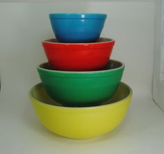 Pyrex Primary Nesting Mixing Bowls  Early tm reg by StrangeBeauty