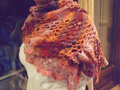Bufanda. Mantón. Crochet