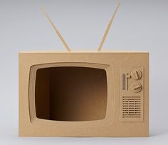 Mat, we want you to build us a cardboard TVBrief: We'd like it brown and kinda retro looking, just go for Can we have it on Wednesday.This TV will house a stop motion commercial, inside it's screen. Cardboard Frames, Cardboard City, Cardboard Box Crafts, Cardboard Sculpture, Cardboard Toys, Paper Crafts Origami, Cardboard Playhouse, Oragami, Casa Pop