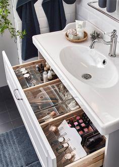 A romantic, relaxing washroom - IKEA Bathroom Drawer Organization, Bathroom Organisation, Room Organization, Makeup Organization, Organized Bathroom, Organize Bathroom Drawers, Bathroom Vanity Organization, Organisation Ideas, Bad Inspiration