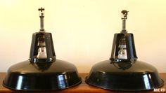 Jolies suspensions industrielles, vers 1950, émail, coloris noir, (8 modèles disponibles). Decor, Indoor Lighting, Decorative Bells, Industrial, Home Decor, Light, Indoor