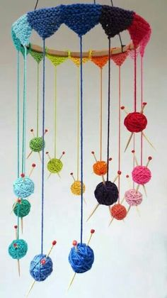 """Creative Knitting Project - Knit Mobile - cute but I would constantly be panicki. Creative Knitting Project - Knit Mobile - cute but I would constantly be panicking over the """"needles"""" Always aspired to . Mobiles En Crochet, Crochet Mobile, Knitting Projects, Crochet Projects, Knitting Patterns, Knitting Ideas, Cowl Patterns, Knitting Tutorials, Free Knitting"""