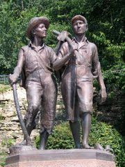 Tom Sawyer & Huckleberry Finn Statue - Cardiff Hill