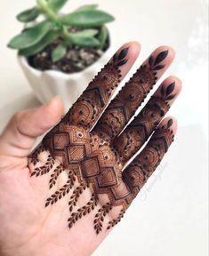 Simple Mehndi Designs Fingers, Finger Mehendi Designs, Pretty Henna Designs, Modern Henna Designs, Indian Henna Designs, Floral Henna Designs, Basic Mehndi Designs, Latest Bridal Mehndi Designs, Henna Art Designs