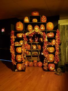 Horror Art, Horror Movies, Jack O, Pumpkin Carving, Lanterns, Halloween, Scream, Arch, Pose