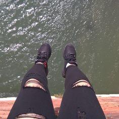 #water #adige #italy #Verona #wall #legs #nature #landscape #fall #beauty #myself #dianaphoto #fun #musicstreet #breakdance #music #relax #beautiful #noedit #original #photo #goodmorning #Adventure #wildlife by diana_moldovan_