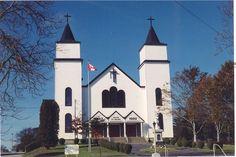 Eglise St- Michel 2552 Highway 334 Wedgeport, NS Concert Venues, Nova Scotia, Mansions, House Styles, Building, Travel, Beautiful, Home Decor, Viajes