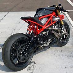 Görüntünün olası içeriği: motorsiklet