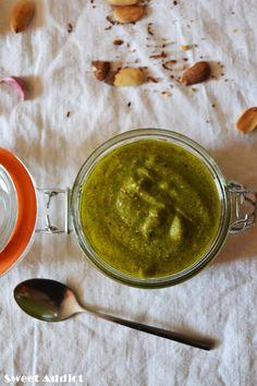 PESTO DE RÚCULA: http://www.sweetaddict.es/2015/09/salsa-de-pesto-verde-de-rucula-y.html
