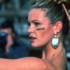 "Elle MacPherson en ""El Desafío"" (The Edge), 1997"
