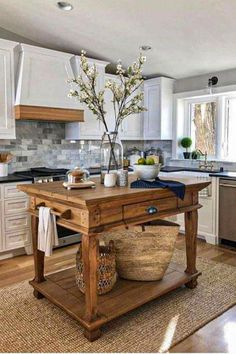 Lovely and Cute small kitchen island design ideas Part 23 ; small kitchen island with seating; small kitchen island with sink; small kitchen i Home Decor Kitchen, Interior Design Kitchen, New Kitchen, Kitchen Dining, Kitchen Small, Kitchen Ideas, Kitchen Cabinets, Kitchen Sink, Dining Room