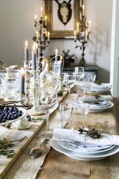 Ideas and inspiration Hygge, Royal Copenhagen, Dinner Is Served, Deco Table, Scandinavian Christmas, Decoration Table, Christmas Home, Beach Christmas, Table Linens