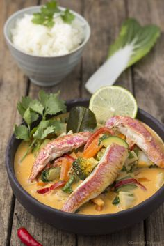 Asian Recipes, Ethnic Recipes, Fish And Seafood, Thai Red Curry, Buffet, Food And Drink, Soup, Chicken, Eat