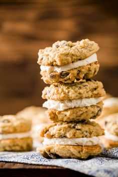 No matter which oatmeal cream pie adventure you choose, you cant go wrong. But watch out, you may be asked to bring oatmeal cream pies to every potluck from now on. Brownie Recipes, Pie Recipes, Baking Recipes, Sweet Recipes, Cookie Recipes, Yummy Recipes, Party Recipes, Frosting Recipes, Vegan Recipes