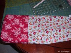 Charo's Patchwork: Tutorial bolsita acolchada. Drawstring Bag Tutorials, Pouch, Quilts, Blanket, How To Make, Crafts, Bags, Popular, Sewing