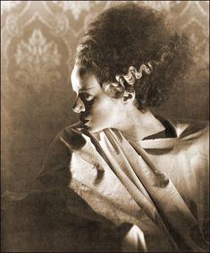 Elsa Lanchester in 'The Bride of Frankenstein'